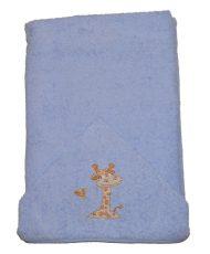 Detská osuška 75×120 cm s vyšívanou žirafou- modrá