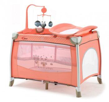 MamaKiddies TravelStar cestovná postieľka  s výškovo nastaviteľným dnom s prebaľovacím pultom v broskyňovej farbe + darček rotačná hudobná hračka
